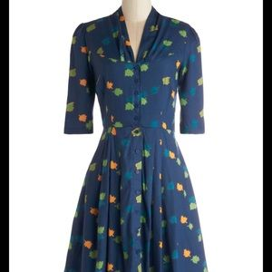 EMILY AND FIN Star Studded Leaves Midi Dress